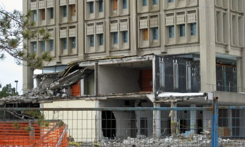 Remaining piece of link to southeast 3-storey wing